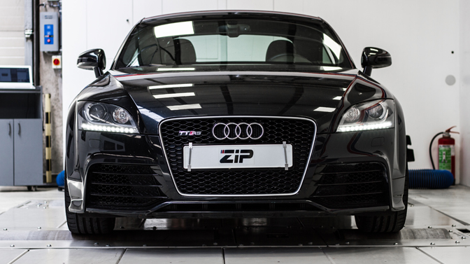 audi tt rs herbergt monsterlijke krachten ziptuning. Black Bedroom Furniture Sets. Home Design Ideas