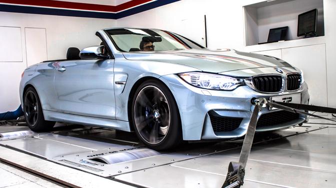 BMW M4 gaat helemaal los